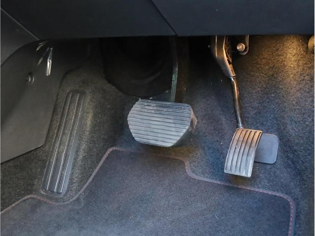SW GT ブルーHDi 禁煙 ガラスルーフ LEDヘッドライト スマートキー 4ゾーン独立調整エアコン ナビTV バックカメラ オートマチックハイビーム ドライブレコーダー(24枚目)