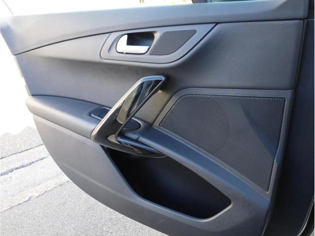 SW GT ブルーHDi 禁煙 ガラスルーフ LEDヘッドライト スマートキー 4ゾーン独立調整エアコン ナビTV バックカメラ オートマチックハイビーム ドライブレコーダー(52枚目)