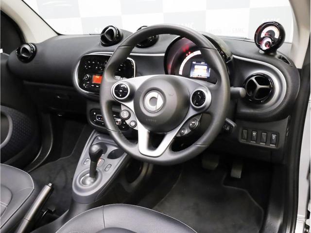 ターボ リミテッド 禁煙 黒革シート シートヒーター クルーズコントロール アイドリングストップ 純正オーディオ Bluetooth USB入力端子 ETC タコメーター 15インチAW(14枚目)