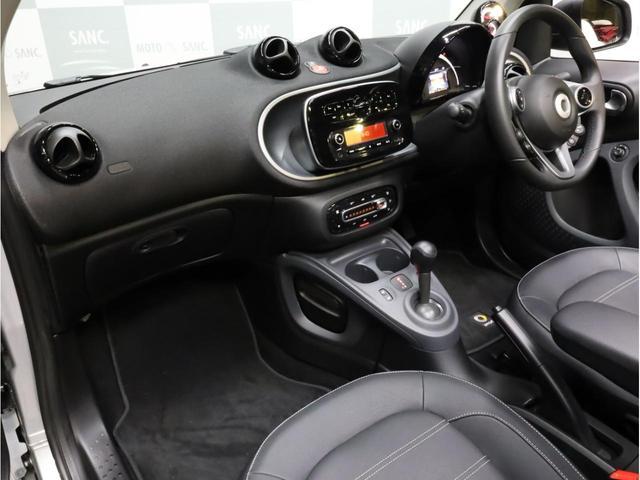ターボ リミテッド 禁煙 黒革シート シートヒーター クルーズコントロール アイドリングストップ 純正オーディオ Bluetooth USB入力端子 ETC タコメーター 15インチAW(38枚目)