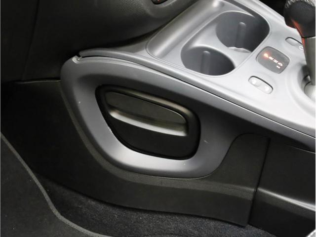 ターボ リミテッド 禁煙 黒革シート シートヒーター クルーズコントロール アイドリングストップ 純正オーディオ Bluetooth USB入力端子 ETC タコメーター 15インチAW(41枚目)