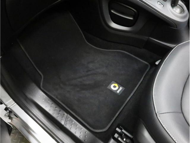 ターボ リミテッド 禁煙 黒革シート シートヒーター クルーズコントロール アイドリングストップ 純正オーディオ Bluetooth USB入力端子 ETC タコメーター 15インチAW(45枚目)