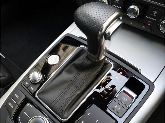 2.8FSIクワトロ Sラインパッケージ 禁煙 フルタイム4WD 黒革 19AW スポーツサス Sラインエアロ 純正ナビ フルセグTV バックカメラ BOSEオーディオ LEDヘッドライト(11枚目)