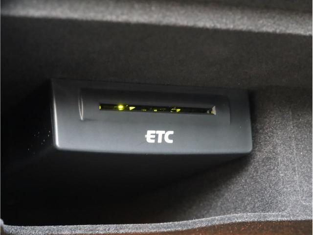 2.8FSIクワトロ Sラインパッケージ 禁煙 フルタイム4WD 黒革 19AW スポーツサス Sラインエアロ 純正ナビ フルセグTV バックカメラ BOSEオーディオ LEDヘッドライト(19枚目)
