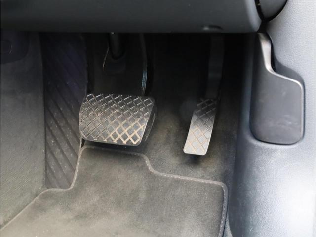 2.8FSIクワトロ Sラインパッケージ 禁煙 フルタイム4WD 黒革 19AW スポーツサス Sラインエアロ 純正ナビ フルセグTV バックカメラ BOSEオーディオ LEDヘッドライト(24枚目)