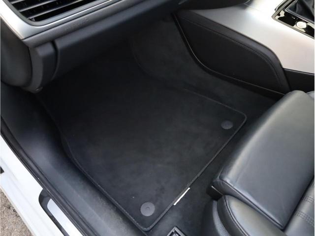 2.8FSIクワトロ Sラインパッケージ 禁煙 フルタイム4WD 黒革 19AW スポーツサス Sラインエアロ 純正ナビ フルセグTV バックカメラ BOSEオーディオ LEDヘッドライト(53枚目)