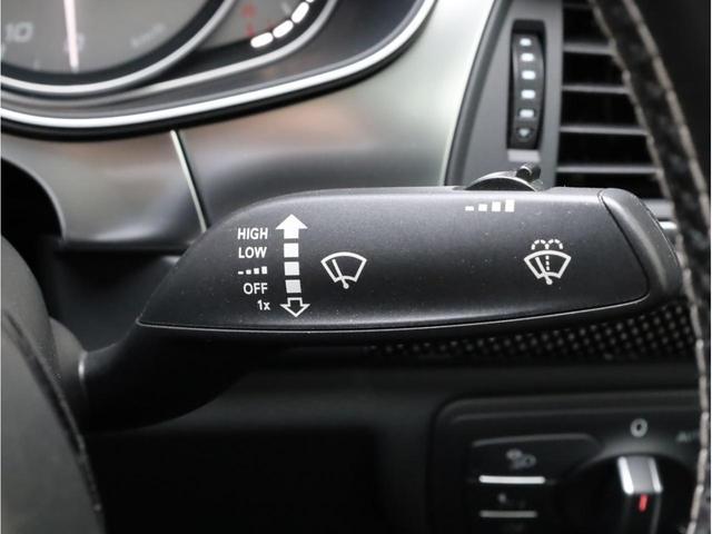ベースグレード 黒革 カーボンインパネ ナイトビジョンアシスト アウディドライブセレクト アダプティブクルーズコントロール 20インチアルミホイール  LEDヘッドライト 前後カメラ エアサス 大型ブレーキキャリパー(32枚目)