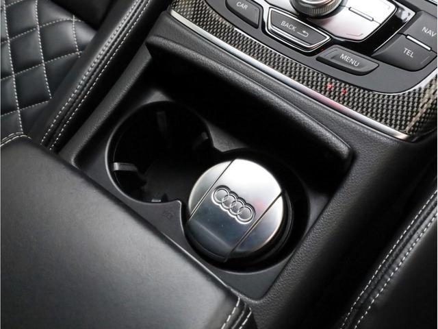ベースグレード 黒革 カーボンインパネ ナイトビジョンアシスト アウディドライブセレクト アダプティブクルーズコントロール 20インチアルミホイール  LEDヘッドライト 前後カメラ エアサス 大型ブレーキキャリパー(37枚目)