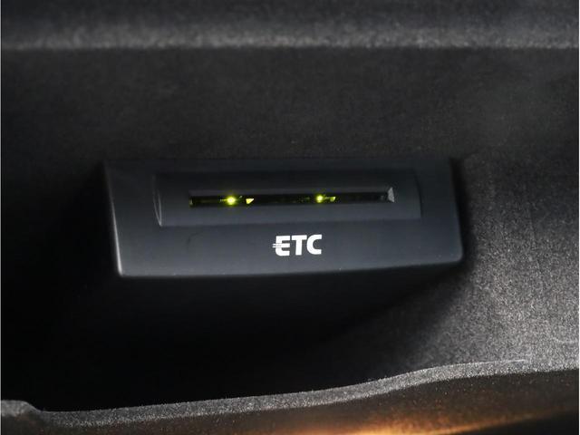 ベースグレード 黒革 カーボンインパネ ナイトビジョンアシスト アウディドライブセレクト アダプティブクルーズコントロール 20インチアルミホイール  LEDヘッドライト 前後カメラ エアサス 大型ブレーキキャリパー(51枚目)