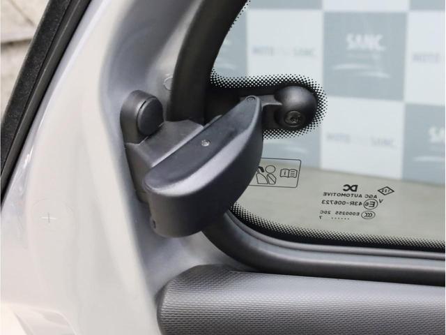 BRABUS エクスクルーシブ 禁煙 ブラバス専用ターボエンジン 専用ミッション 各種ブラバスパーツ 17インチアルミホイール LEDヘッドライト 取説 スペアキー USB入力端子 Bluetooth(51枚目)