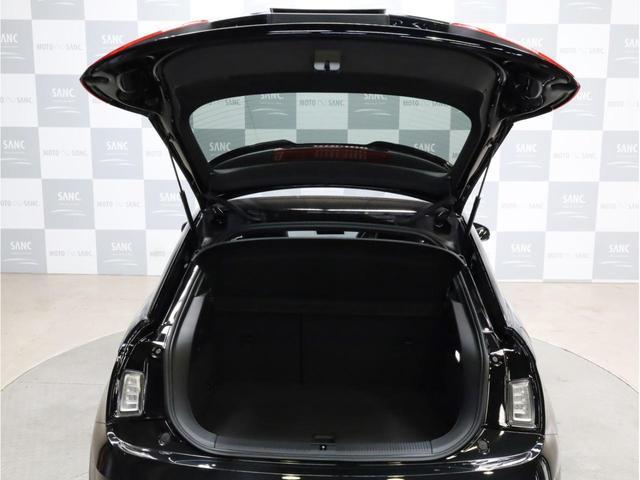 ベースグレード 禁煙車 ファインナッパレザーシート シートヒーター アイバッハダウンサス MMIナビTV アドバンスドキー 前後ソナー 18アルミ バイキセノン フラットボトムレザーステアリング LEDテールライト(45枚目)