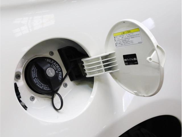 ベースグレード 禁煙1オーナー ブルーレイ再生ストラーダ2DINナビ バックカメラ 運転席レカロ製フルバケットシート17AW(70枚目)