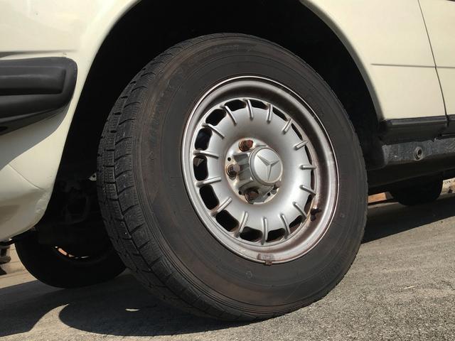 300TD ウエスタン自動車D車  整備済み(3枚目)