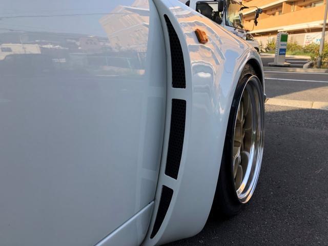 ポルシェ ポルシェ 911カレラ25速 RSRフェンダー