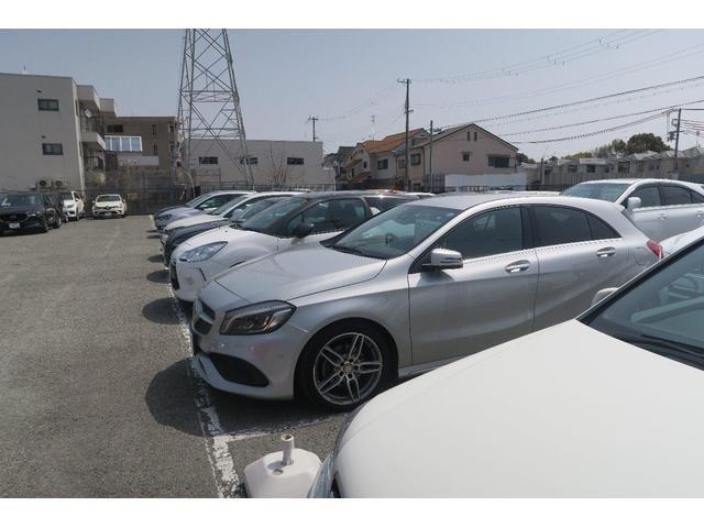 ネクステージ尼崎買取店では2つの展示場に拘りの輸入車、ミニバン、コンパクトカー、軽自動車など豊富なラインナップで常時40台から50台の在庫がございます♪