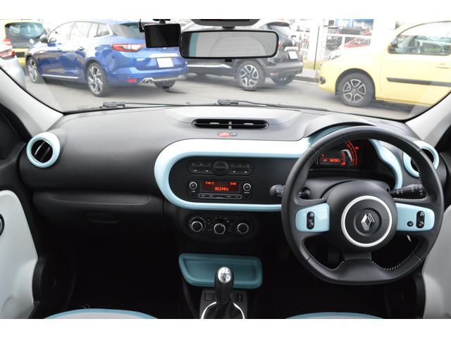 ルノー ルノー トゥインゴ ゼン 正規ディーラー車 5MT