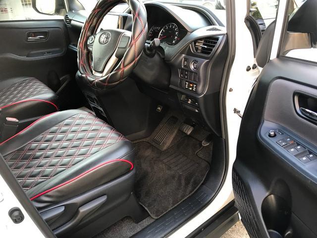 トヨタ ヴォクシー ZS 煌 両側パワースライドドア 9型ナビ 後席モニター