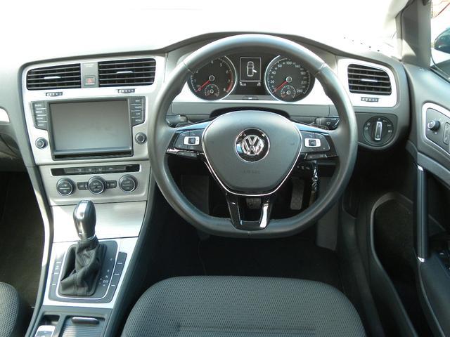 フォルクスワーゲン VW ゴルフ TSIコンフォートラインBMT ディスプロリアカメラ 付属品