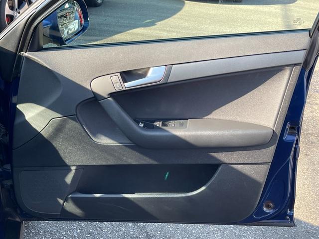 スポーツバック1.4TFSI メモリーナビゲーション 地デジフルセグ Bluetooth DVDプレーヤー バックカメラ ETC HIDオートライト 純正16インチアルミホイール スペアキー 取説保証書 正規ディーラー車 安心保証(26枚目)