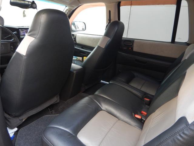 「ダッジ」「ダッジデュランゴ」「SUV・クロカン」「兵庫県」の中古車27
