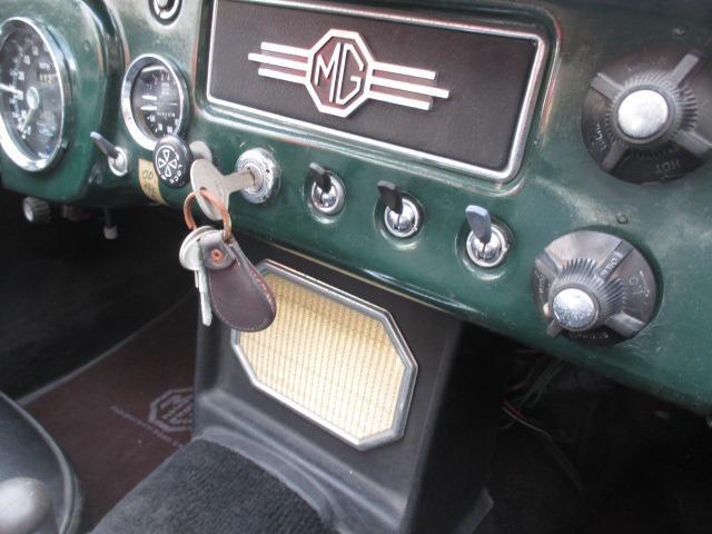 「MG」「MGB」「オープンカー」「大阪府」の中古車11