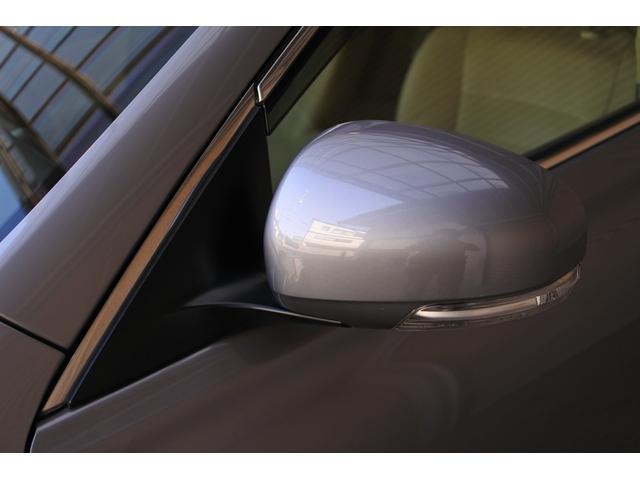 プレミアム ハーフレザーシート 駐車監視機能積みルームミラー内蔵型ドライブレコーダー バックカメラ コーナーポール パワーシート シートヒーター SDナビ フルセグ HID ETC プッシュスタート(22枚目)