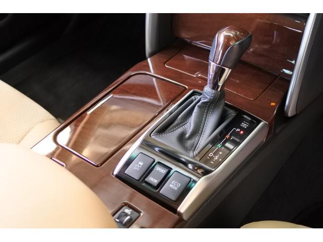 プレミアム ハーフレザーシート 駐車監視機能積みルームミラー内蔵型ドライブレコーダー バックカメラ コーナーポール パワーシート シートヒーター SDナビ フルセグ HID ETC プッシュスタート(65枚目)
