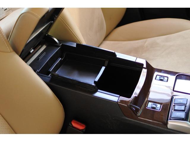 プレミアム ハーフレザーシート 駐車監視機能積みルームミラー内蔵型ドライブレコーダー バックカメラ コーナーポール パワーシート シートヒーター SDナビ フルセグ HID ETC プッシュスタート(67枚目)