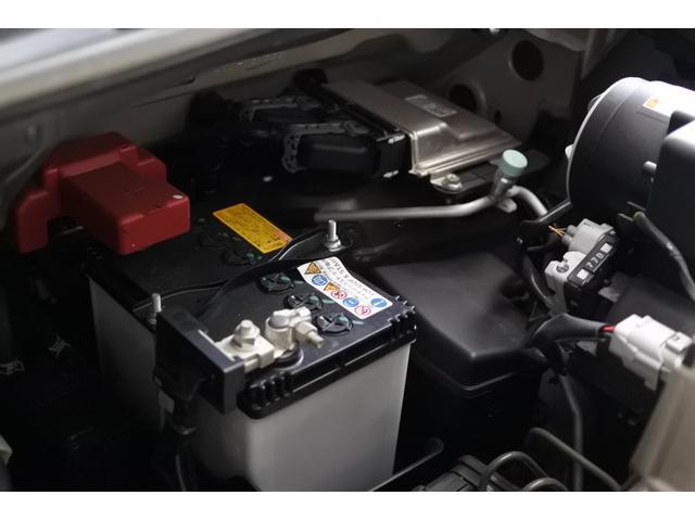 ベースグレード デュアルブレーキサポート 両側パワースライドドア 9インチナビ スマートキー ドライブレコーダー 社外アルミホイール 純正ETC プッシュスタート LEDフォグ HID バックカメラ 社外テール(50枚目)