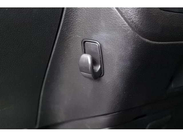 ベースグレード デュアルブレーキサポート 両側パワースライドドア 9インチナビ スマートキー ドライブレコーダー 社外アルミホイール 純正ETC プッシュスタート LEDフォグ HID バックカメラ 社外テール(76枚目)