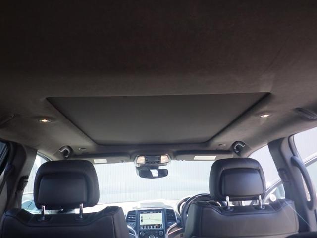 室内を常に好みの温度に調節。デュアルゾーン温度調整機能付なので運転席と助手席それぞれに快適な環境を作り出すことができます