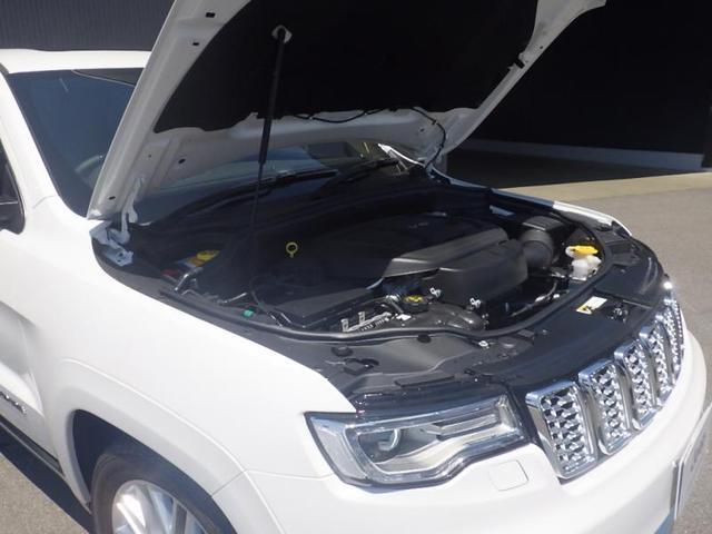 V型6気筒DOHCエンジンにてもたつきないのない走りを実現します。