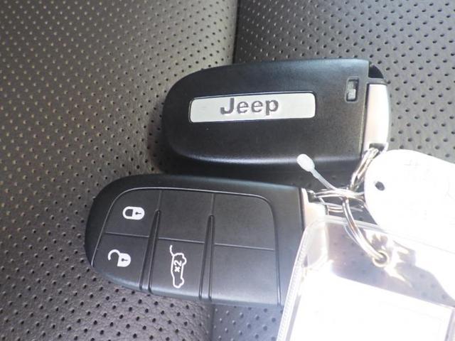 キーレスEnterNGo!ポケットに入れたままハンドルを握るだけでドアを開けることができます。