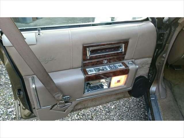 「キャデラック」「キャデラック フリートウッド」「セダン」「滋賀県」の中古車9