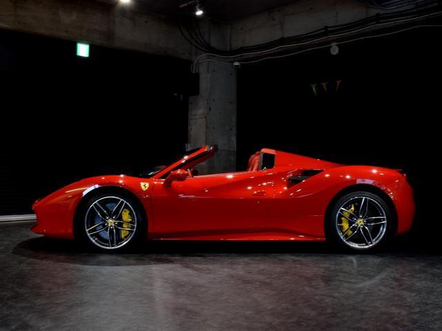 「フェラーリ」「フェラーリ 488スパイダー」「オープンカー」「兵庫県」の中古車8