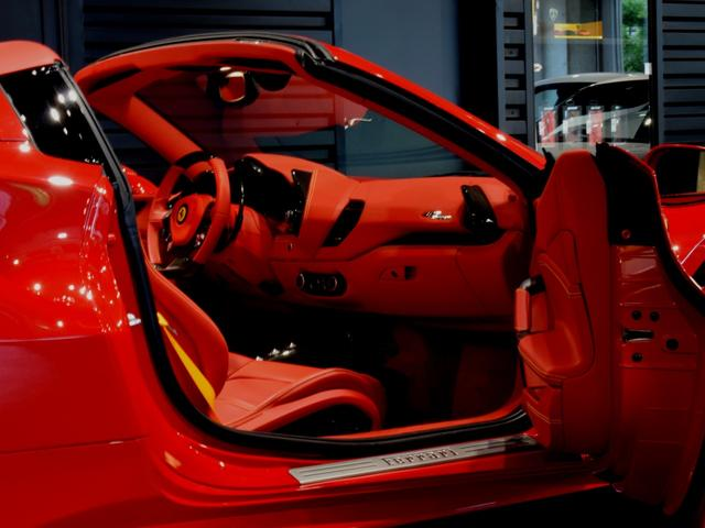 「フェラーリ」「フェラーリ 488スパイダー」「オープンカー」「兵庫県」の中古車51