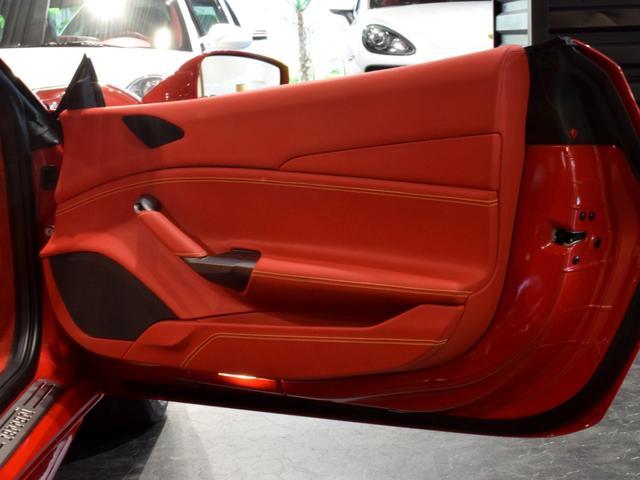 「フェラーリ」「フェラーリ 488スパイダー」「オープンカー」「兵庫県」の中古車54
