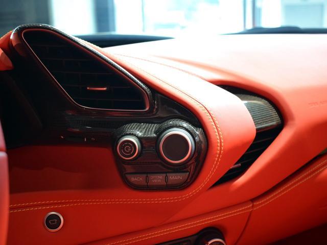 「フェラーリ」「フェラーリ 488スパイダー」「オープンカー」「兵庫県」の中古車69