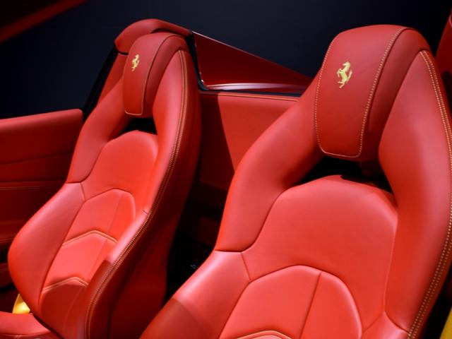 「フェラーリ」「フェラーリ 488スパイダー」「オープンカー」「兵庫県」の中古車77