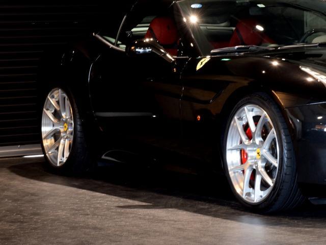 「フェラーリ」「フェラーリ カリフォルニアT」「オープンカー」「兵庫県」の中古車5
