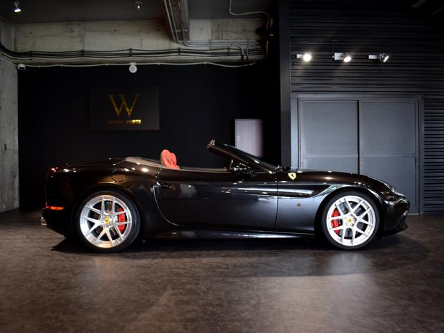 「フェラーリ」「フェラーリ カリフォルニアT」「オープンカー」「兵庫県」の中古車8