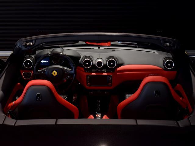 「フェラーリ」「フェラーリ カリフォルニアT」「オープンカー」「兵庫県」の中古車37