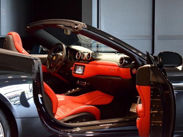 「フェラーリ」「フェラーリ カリフォルニアT」「オープンカー」「兵庫県」の中古車38