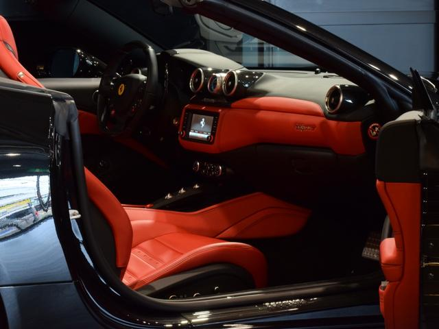 「フェラーリ」「フェラーリ カリフォルニアT」「オープンカー」「兵庫県」の中古車40
