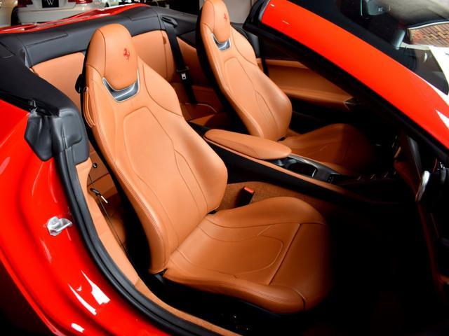 「フェラーリ」「フェラーリ ポルトフィーノ」「オープンカー」「兵庫県」の中古車39