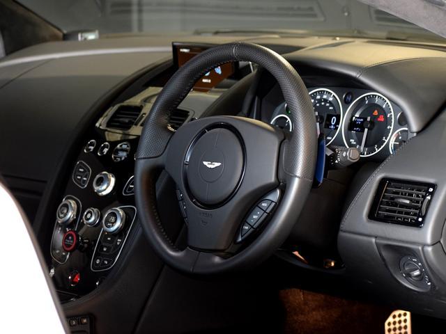 株式会社W本社では、メーター改ざん車両などの取扱いはございません。第3者機関による鑑定により、お客様に安心してお車選びをしていただけるお店を確立しております。