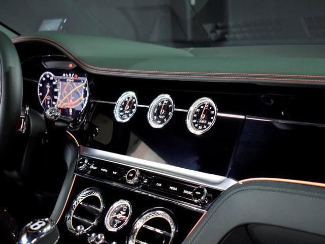 GT MY2020/1オーナ/MullinerDスペック/Naimオーディオ/ローテティングディスプレイ/ブラックライン/ツーリング・シティ・コンフォートシート・ムードライティング/Diamondローレット(14枚目)