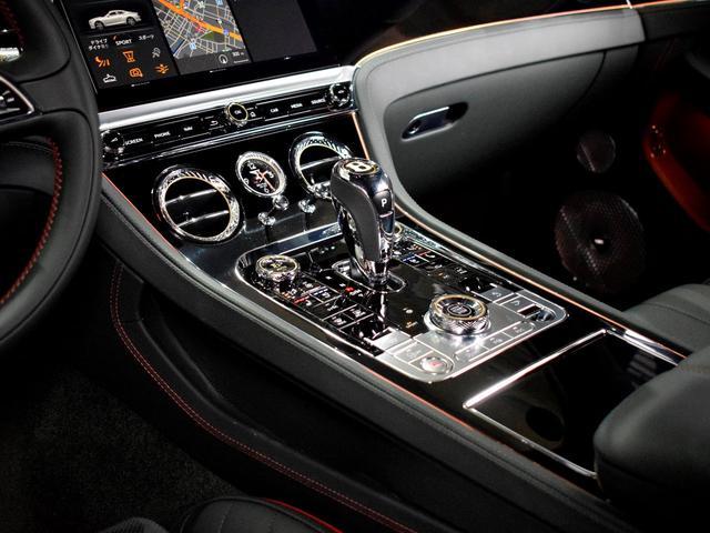 GT MY2020/1オーナ/MullinerDスペック/Naimオーディオ/ローテティングディスプレイ/ブラックライン/ツーリング・シティ・コンフォートシート・ムードライティング/Diamondローレット(17枚目)