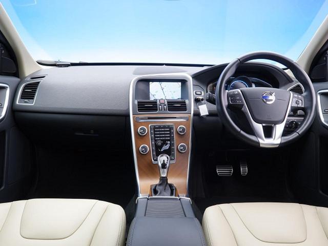 「ボルボ」「ボルボ XC60」「SUV・クロカン」「大阪府」の中古車3