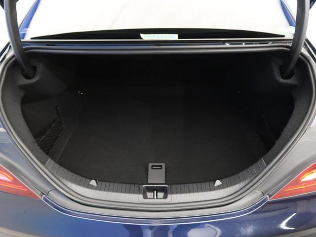 CLA180 ワンオーナー Rセーフティ レザーエクスクルーシブPKG パノラミックスライディングルーフ ベーシックパッケージ ハーマンカードンサウンドシステム(18枚目)